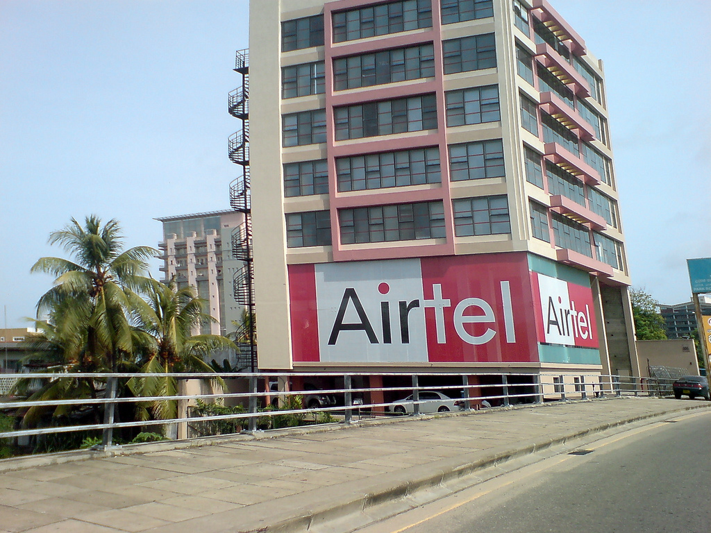 Airtel sells 3,100 telecoms towers to raise $2bn |Business ...